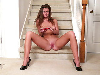 Teen wants to cum on the stairs